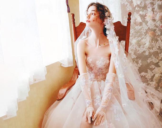 hand-made-flowers-wedding-dress