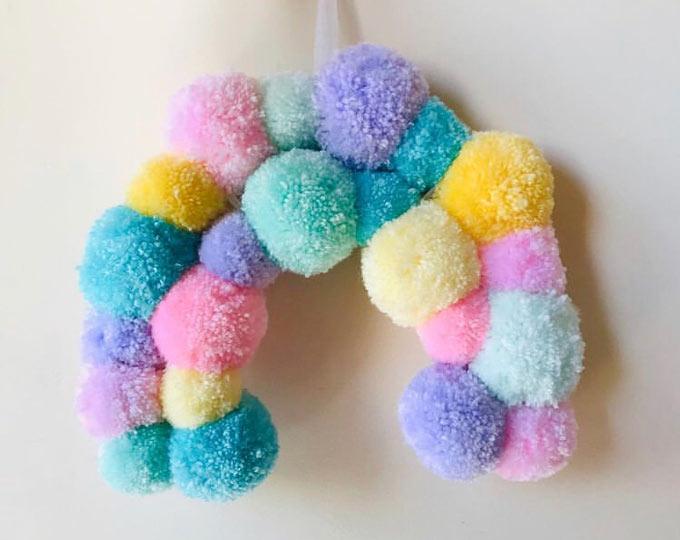 pastel-pompom-rainbow-wall-hanger