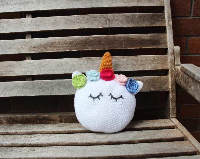 crochet-unicorn-plush-pillow