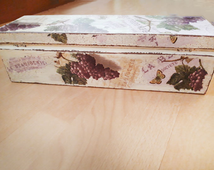 Decorated-natural-wood-wine-box-A