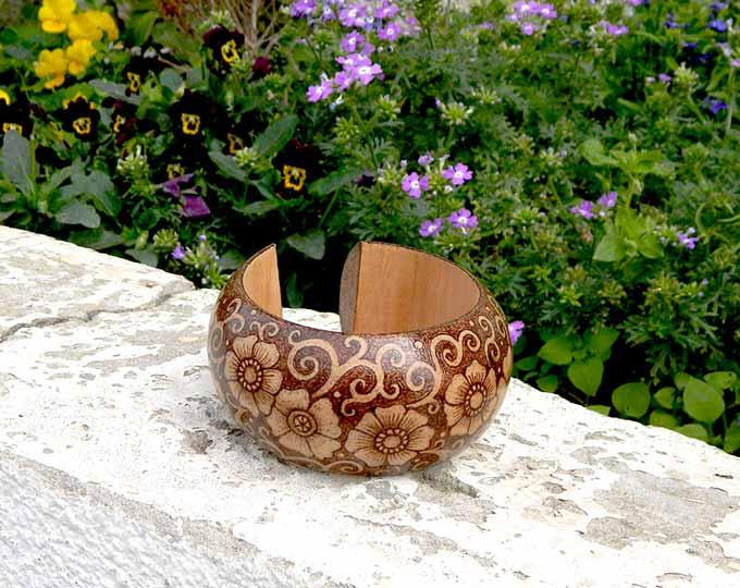 Wood-burned-wooden-bangle-bracelet
